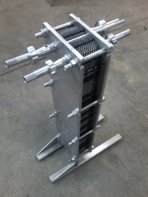 Sanitary plate chiller for wort cooling - material - stainless food steel